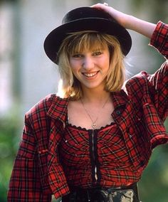 Female crush of the day: Debbie Gibson singer) 80s Fashion, Fashion Models, Girl Fashion, Kate Mara Pixie, Up Girl, Girly Girl, Jobeth Williams, Debbie Gibson, Female Singers