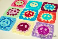 If you have a tween or teen daughter, you probably know how popular peace signs are right now. So when my daughter asked me to make her an afghan, I wanted to make her something really cool ... peace sign granny squares! And of course I wanted to share the pattern with you too :)