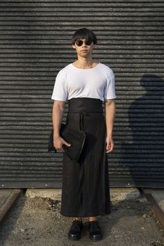 Chin Le Specs Sunglasses, We Wear, How To Wear, Street Style Blog, How To Make Tshirts, Normcore, Suits, Fashion, Moda