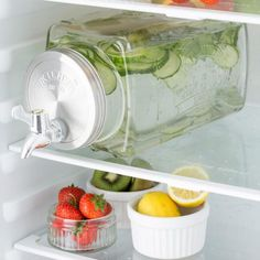 Designed to slide directly into your fridge, this Kilner® rectangular water and drinks dispenser is a useful kitchen accessory. Kitchen Items, Kitchen Utensils, Kitchen Decor, Kitchen Pantry, Kitchen Tools, Home Gadgets, Kitchen Gadgets, Kitchen Appliances, Cooking Gadgets