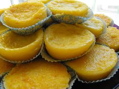 Queijadas de Laranja are orange cupcakes that are quite popular in Portugal and similar to the style of the Queijadas de Leite, but with a citrus twist. Tart Recipes, Sweet Recipes, Dessert Recipes, Cooking Recipes, Gourmet Desserts, Plated Desserts, Easy Cooking, Portuguese Desserts, Portuguese Recipes