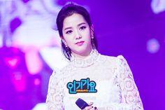 [877회] 업그레이드된 호러 섹시로 컴백한 'VIXX'의 'Fantasy'! : SBS 인기가요 : SBS
