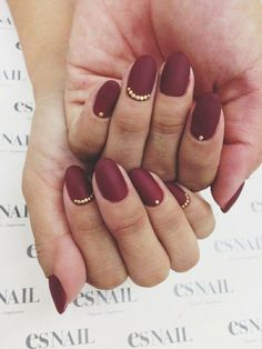 The Best Stiletto Nails Designs 2018 Stiletto nail art designs are called claw or claw nails. These ultra-pointy nails square measure cool and horny however they'll not be Maroon Nails, Dark Nails, Gold Nails, Matte Nails, Stiletto Nails, Fun Nails, Acrylic Nails, Chic Nails, Burgundy Nails