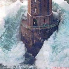 Rough Seas...This is the lighthouse pic I was talking about.  Check out the guy standing in the doorway!