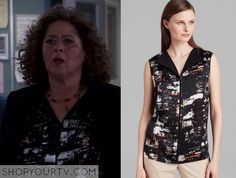 Gloria Akalitus (Anna Deavere Smith) wears this black city lights print blouse in this episode of Nurse Jackie. It is the Lafayette [...]