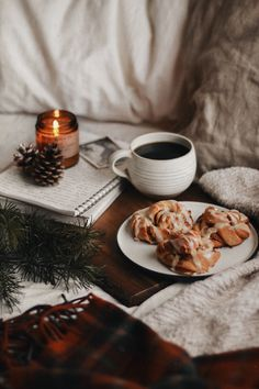 Breakfast Photography, Flat Lay Photography, Food Photography, Coffee And Books, Morning Breakfast, When I Grow Up, Love Food, Florence, Gingerbread