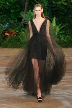 Christian Siriano at New York Fashion Week Fall 2015 | Stylebistro.com
