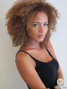 ideas hair color curly brown natural curls for 2019 Natural Hair Inspiration, Natural Hair Tips, Natural Curls, Natural Hair Styles, Curls Rock, Curls Hair, Beach Wave Hair, Colored Curly Hair, Wild Hair