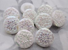 10 pcs. vintage glass white AB carnival floral flower buttons 14mm  #b52