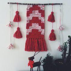 "107 Likes, 3 Comments - @geraldinaonyszkow on Instagram: ""#vsco #vscocam #vscodaily #mybeautifulmess #diy #weaving #wovenwallhanging"""