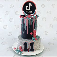 13th Birthday Cake For Girls, 14th Birthday Cakes, Bithday Cake, Cool Birthday Cakes, Girl Birthday, Monster High Cakes, Teen Cakes, Drip Cakes, Cute Cakes