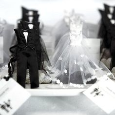 Bride and Groom Favor Bags by Beau-coup how cute to put on tables.