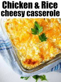 This rice green chile chicken casserole is so good! With hatch chiles and cream cheese inside topped with cheddar cheese it& sure to be a great dinner. Green Chili Casserole, Chicken Casserole, Casserole Recipes, Soup Recipes, Chicken Recipes, Dinner Recipes, Potato Recipes, Pasta Recipes, Crockpot Recipes