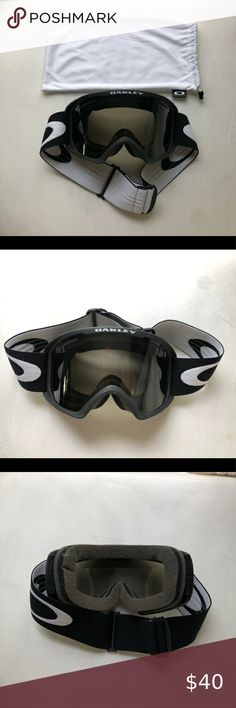 Oakley Ski Goggles with Case High definition optics (HDO) Black Oakley Ski Goggles. Unisex Oakley Other Ski Goggles, High Definition, Skiing, Unisex, Black And White, Sunglasses, Best Deals, Closet, Ski