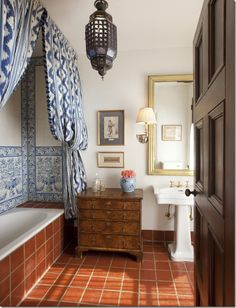 Beautiful, love the tile and fabulous curtain and pretty little antique chest. | Toiles des Nantes