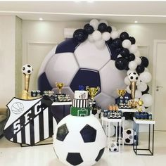 Birthday For Him, 10th Birthday, Birthday Parties, Baseball Party, Soccer Party, Soccer Theme Parties, Party Themes, Baby Shower Balloons, Birthday Balloons