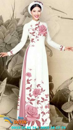 Lovely lady in Vietnam national attires. Simple Dresses, Beautiful Dresses, Nice Dresses, Indian Designer Outfits, Designer Dresses, Modest Fashion, Fashion Dresses, Hand Painted Dress, Kurti Designs Party Wear