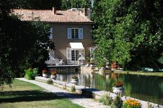 provence bedding | Welcome to B&B Domaine du Moulin, a luxury Bed & Breakfast in Provence