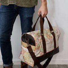 Atelier créAnne ✂️🧵👜👛🎒 sur Instagram: Noël approche....🎄🎅🏻. Pour voyager après le confinement, ce joli sac Boston avec sa trousse zip-zip assortie ! Bon voyage ✈️. #sacotin…