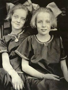 Bette Davis and her sister, Bobby, as youngsters.