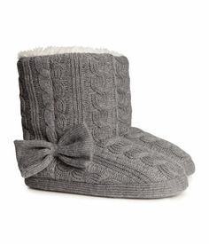 Knitted slippers (H & M) H&m Boots, Bearpaw Boots, Fuzzy Slippers, Knitted Slippers, Boho Outfits, Fall Outfits, Pretty Heels, H&m Online, Winter Wardrobe