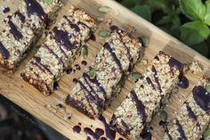 If you live in the UK, Ireland or thereabouts, then a 'flapjack' is a very popular bar made from oats. If you live in Australia, New Zealand or North America, then you might know them a…