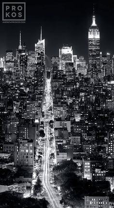 Photography noir et blanc new york 47 Ideas Photography noir et blanc new york 47 Ideas The post Photography noir et blanc new york 47 Ideas appeared first on Fotografie. Black And White Picture Wall, Black And White City, Black And White Aesthetic, Black And White Pictures, Voyage New York, City Photography, Photography Lighting, Wedding Photography, Photography Aesthetic