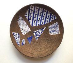 Rare Large Bitossi Centerpiece Bowl Blue & White Pottery Shard Motif Raymor