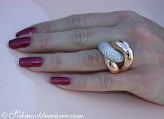 Auffallend schwerer Brillant Ring in Roségold Ringgröße Ringgröße: 46 - ideas sobre tecnología, diseño, calzado, vacaciones Rose Gold Diamond Ring, Vintage Diamond Rings, Diamond Jewelry, Gold Jewelry, Jewelry Rings, Jewelry Accessories, Jewelry Design, Jewellery, Gold Ring Designs