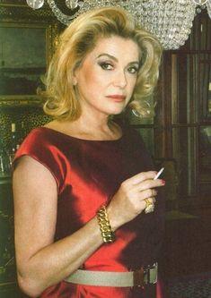 My style icone – Catherine Deneuve – Glam Radar Catherine Deneuve, Women Smoking, Girl Smoking, Christian Vadim, David Bailey, Female Actresses, French Actress, Classic Beauty, Beautiful Actresses