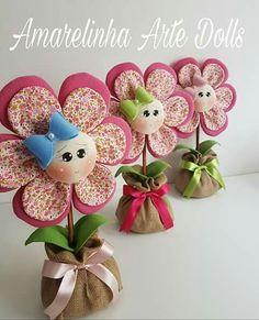 Felt Flowers, Fabric Flowers, Paper Flowers, Felt Bookmark, Paper Flower Decor, Fabric Flower Tutorial, Christmas Sewing, Ribbon Work, Felt Dolls