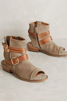 Coqueterra Colt Line Shooties Taupe #AnthroFave