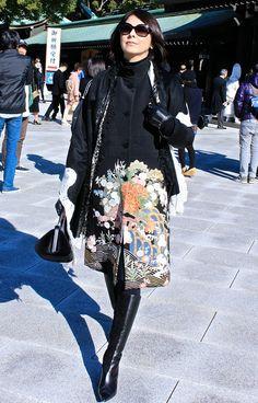 クリックで元の大きさに戻ります Kimono Jacket, Kimono Dress, Asian Fashion, Love Fashion, Jean Jacket Design, Olive Clothing, Cute Kimonos, Dress Making Patterns, Kimono Fabric