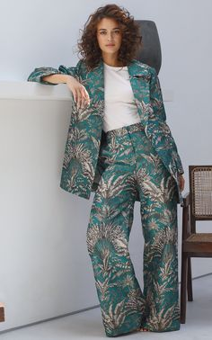Get inspired and discover Maison Alma trunkshow! Shop the latest Maison Alma collection at Moda Operandi. Suit Fashion, Fashion Fabric, Look Fashion, Daily Fashion, Fashion Dresses, Classy Outfits, Cute Outfits, Estilo Floral, Suits For Women