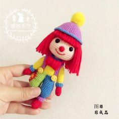 Теплый сердечник ручной крючком пряжи куклы DIY с капюшоном клоун костюм красивая девушка китайские графические учебные пособия