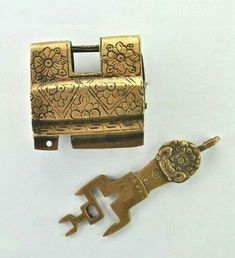 Skeleton Key Lock, Unique Key, Under Lock And Key, Old Keys, Knobs And Knockers, Door Accessories, Vintage Keys, Door Locks, Door Handles
