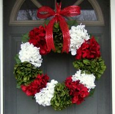 Make your own Christmas Wreath with red, white, and green hydrangeas. This wreath craft is gorgeous and easy.