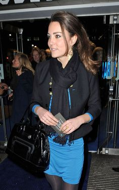 Catherine Dutchess of Cambridge and Longchamp Legende Patent Shopper - Kate Middleton carried a Longchamp Legende Patent Shopper (in Black). Kate Middleton Outfits, Kate Middleton Style, Pippa Middleton, Prince William And Kate, William Kate, Princess Katherine, Princess Charlotte, Princesse Kate Middleton, Kate And Pippa