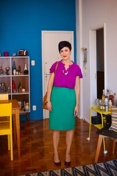29 Ideas Skirt Green Outfit For 2019 Green Skirt Outfits, Purple Outfits, Colourful Outfits, Colorful Fashion, Color Blocking Outfits, Look Fashion, Skirt Fashion, Cool Winter, Cool Style