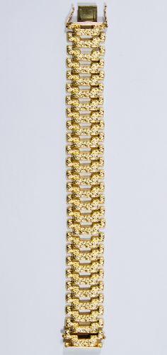 Lot 116: 18k Gold Bracelet; Marked 18k on clasp