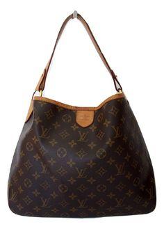 15e47ea7e010 Louis Vuitton - Epi Noe De Noe beschikt over Epi leder een verstelbare  platte riem een open top met een koord-sluiting en Alcantara bekleding.Afme…