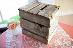 wooden card box made from an old skid, for rustic vintage wedding #rustic