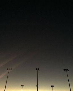 L'aurore inversée / ambiance sombre et captivante à #toulouse ce soir http://ift.tt/2e1Fied