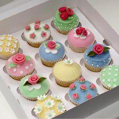 \♡♡/    The Creative Cake Academy