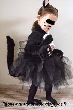 POUR LIKER MON FACEBOOK C'EST ICI ET MON INSTAGRAM LA———————————————————&#821… Costume Chat Noir Halloween, Fur Coat, Goth, Couture, Cap, Photo And Video, Facebook, Instagram, Fashion