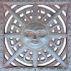 #Carmel #California #USA 〰 #manhole #manholecover 〰 #CA #CarmelByTheSea #Sun #rays #radial #ironage #solstice #SummerSolstice