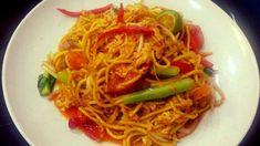 Mee goreng mamak Mee Goreng Mamak, Malaysian Food, Street Food, Spaghetti, Dishes, Eat, Ethnic Recipes, Malaysian Cuisine, Flatware