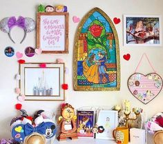 Here are the Disney Bedroom Design Ideas For Your Children. This article about Disney Bedroom Design Ideas For Your Children … Disney Diy, Disney Cruise, Casa Disney, Disney Merch, Deco Disney, Disney Home Decor, Disney Crafts, Disney Room Decorations, Disney Wall Decor