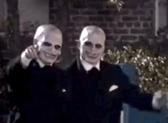 "Here are the Gentlemen. Aren't they friendly? | 19 Awesome Stunt Sequences From Behind The Scenes On ""Buffy The Vampire Slayer"""