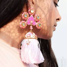 So we spotted this new jewellery line by Outhouse , and we feel it's perfect for new-age brides to wear on their Mehendi! Indian Earrings, Pink Earrings, Tassel Earrings, Indian Wedding Jewelry, Bridal Jewelry, Indian Jewelry, Ethnic Jewelry, Stylish Jewelry, Luxury Jewelry